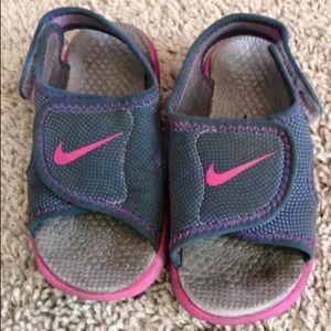 Nike 8C neoprene toddler sandals